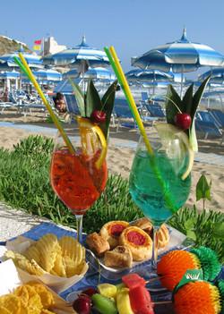 drinks serviti in spiaggia