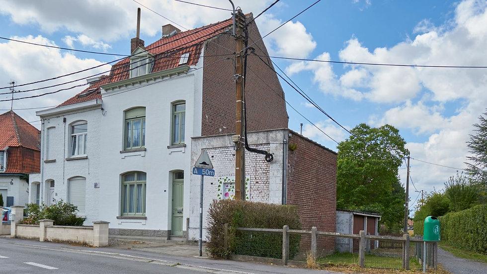 Leers-Nord : Maison 3 façades avec jardin & accès latéral