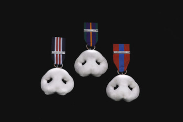 Party favours Group (3 medals)