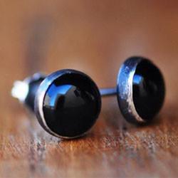 Black onyx silver stud earrings.jpg