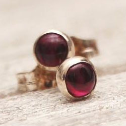 Garnet silver dot stud earrings.jpg