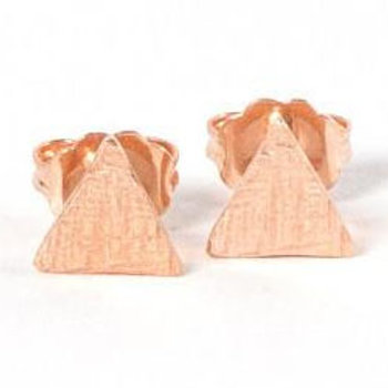14k rose gold vermeil dainty triangle crosshatched stud earrings