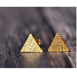 18K yellow vermeil tiny triangle crossha