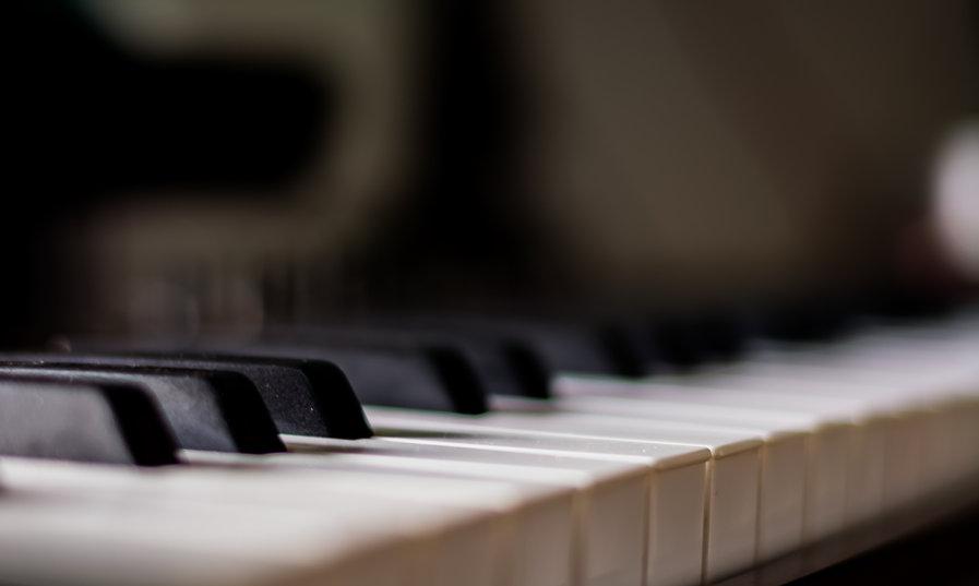 piano-2716597.jpg