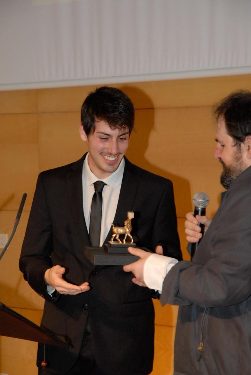 Rubén Gallardo recibiendo el Premio a Mejor Banda Sonora Original junto con Antoni Caimari (director del Festival y Cineasta)