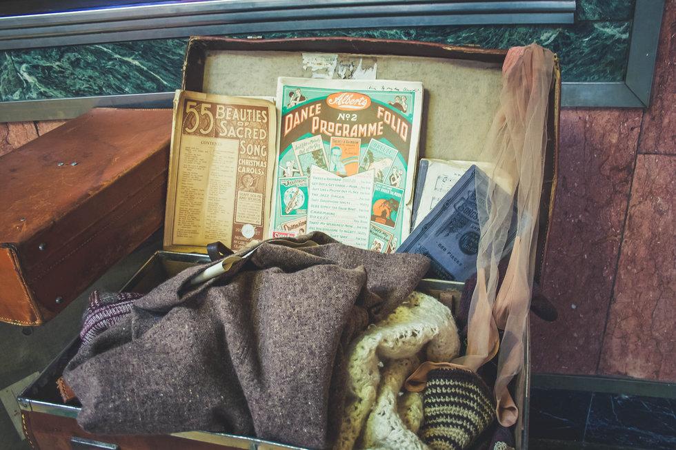 suitcase-2313701.jpg