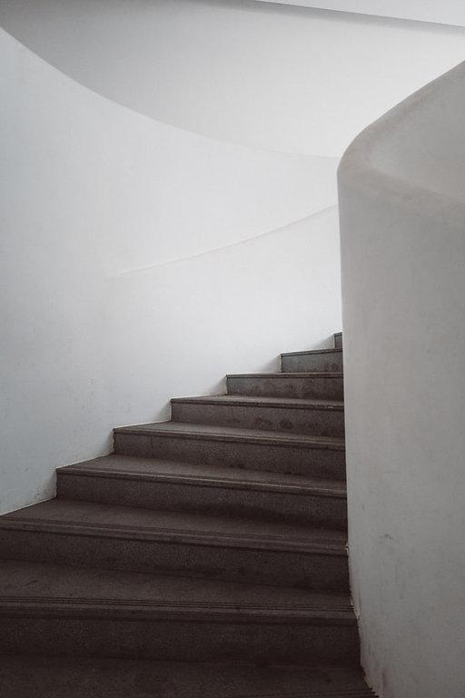 photo-1574680152042-1033405b1e32.jpg