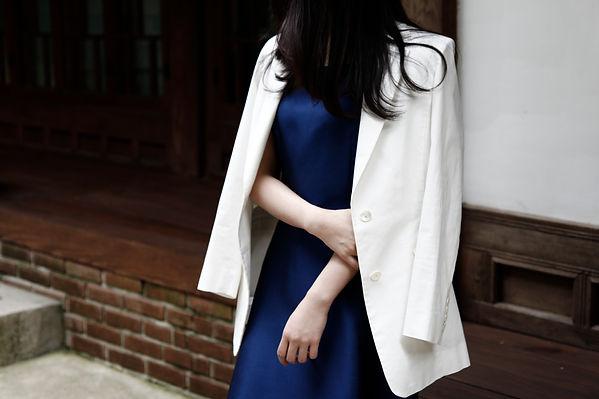 여성맞춤정장 라바르카 겟잇뷰티 장윤주 미카도실크 플레어드레스14.JPG