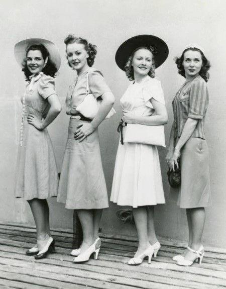1940s-day-dresses-womebn-450x575.jpg