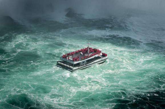 Niagara Falls, Canada by Eddy