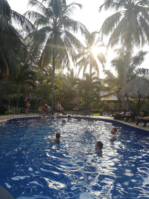 Zwembad bij Dreamer Hostel