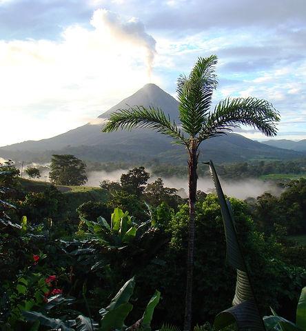 volcano-718277_1920.jpg