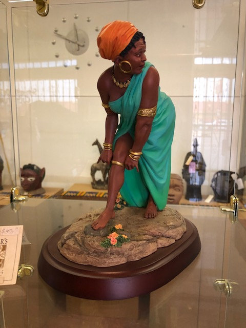 Oh Yes She Did Figurine - Thomas Blackshear Collectible