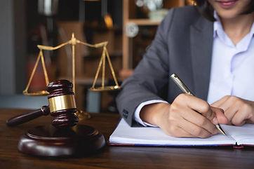 lawyere.jpg