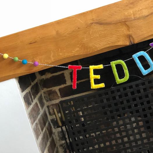 felt-fancies-rainbow-garland-room-deco