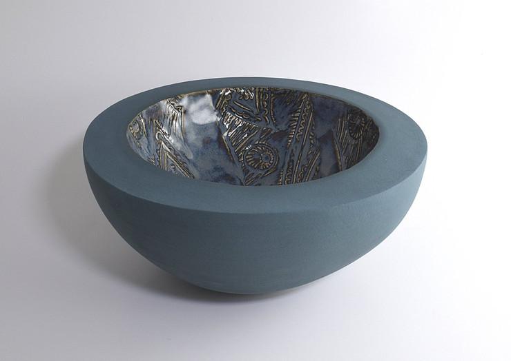 ruth-fairhead-ceramics-hemisphere-handbu