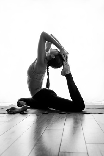 elodie-giuge-photography-yoga-business