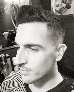 Mid skin fade using _wahlpro #magicclip