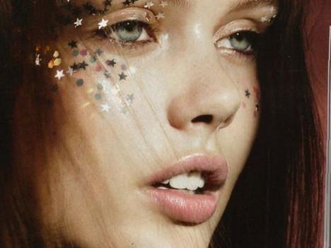 Aquarius Makeup Style: Galactic Glam Glitter
