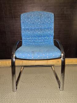 Chaise de conference blue rembourrée