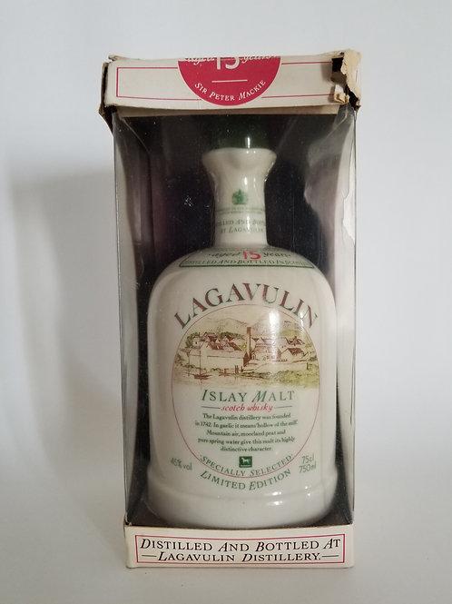Lagavulin 15 Years Old - Ceramic White Horse