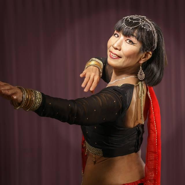 (午後の部)インド・ボリウッドダンスと瞑想