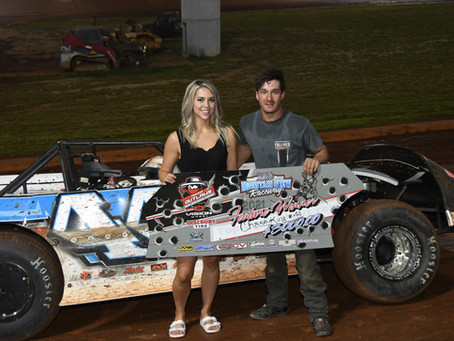 KING CAPTURES MOUNTAIN VIEW RACEWAY TOPLESS OUTLAW LATE MODEL RACE