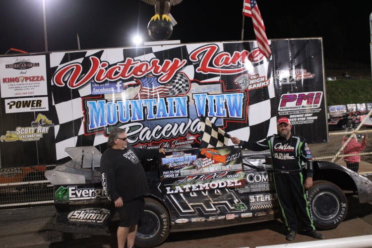 COLLINS CAPTURES LATE MODEL WIN AT MOUNTAIN VIEW RACEWAY