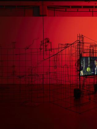 Digital Mourning, Nëil Beloufa in mostra alla Fondazione Pirelli Hangar Bicocca