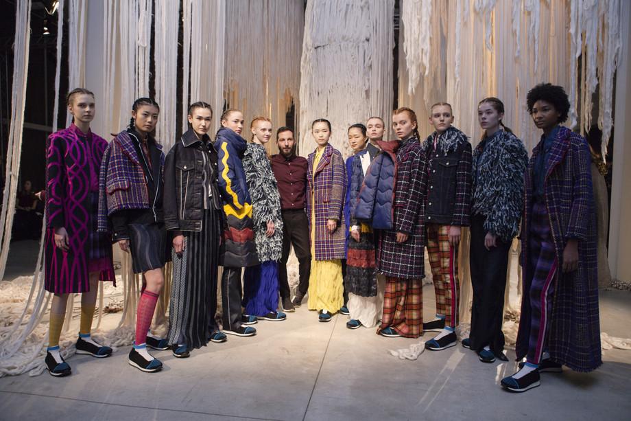 Moda e critica, una questione di sensi / Fashion and criticism, a metter of senses