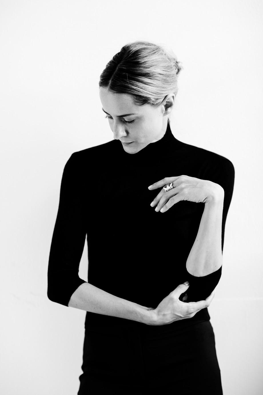 Flapper, esperimento contemporaneo: una conversazione con Genevieve Xhaet / Flapper, contemporary ex