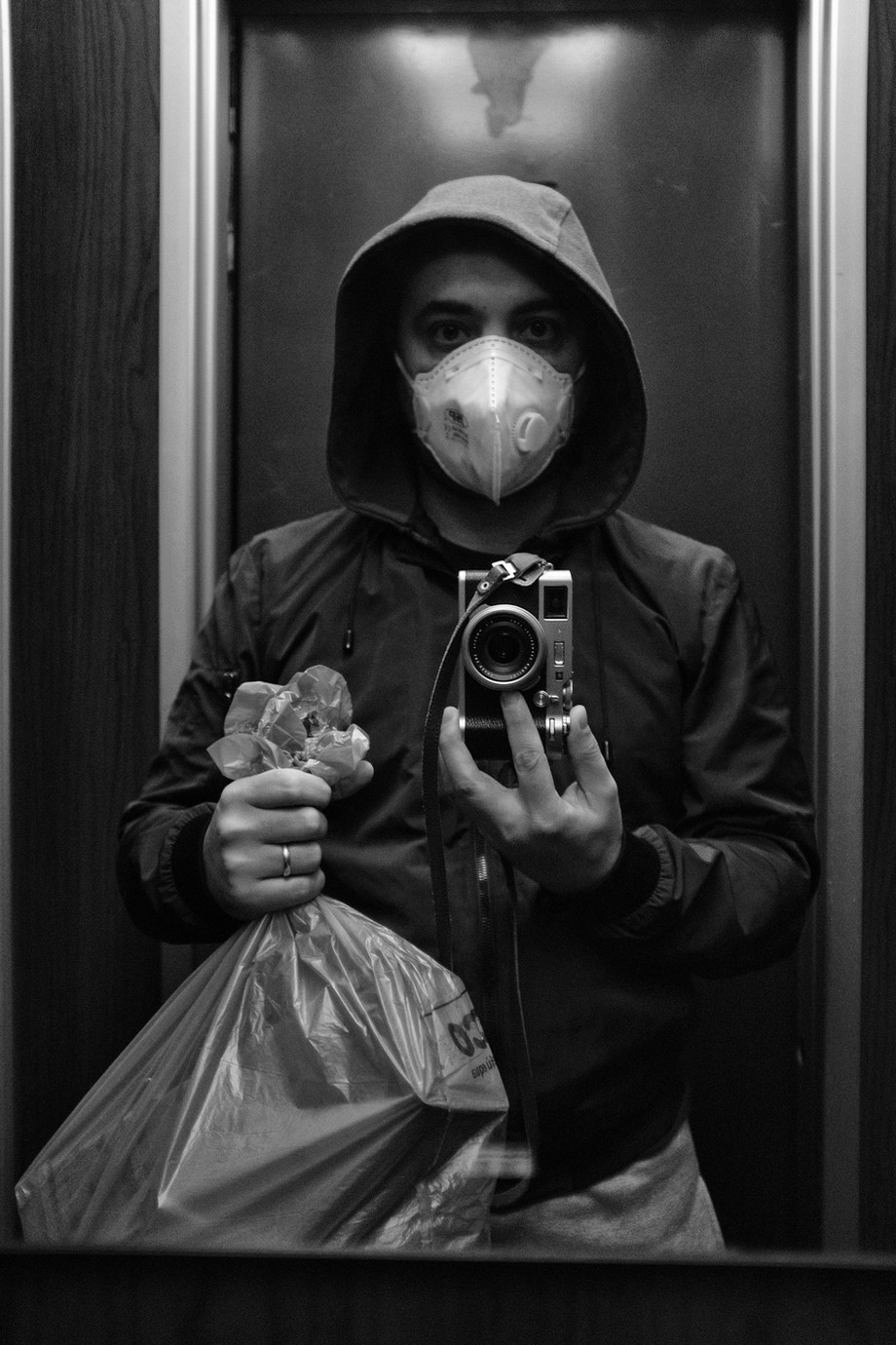 Gianluca Colonnese racconta Lockdown: fotografie di una famiglia in quarantena / Gianluca Colonnese