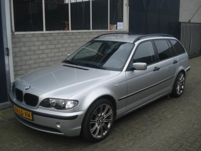 bmw-3-serie-touring-318d-executive-automaat