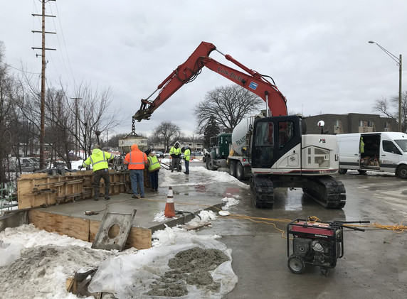 Buffalo Grove Bridge parapet wall pour