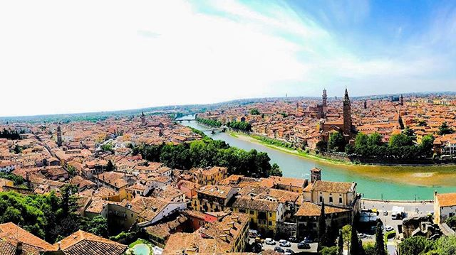 #travelblogger #blog #travel #traveling #comingsoon #city #citytrip #verona #italy #labellaitalia #p