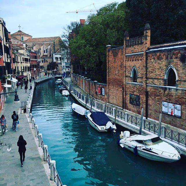 #travelblog #coomingsoon #city #trips #venice #blog  #photography #murano #burano #love #italy #sist
