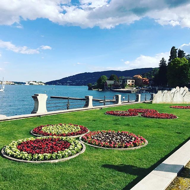Lago Maggiore 😎🔝 #italy🇮🇹 #stresa #amazing #travelblogger #aroundtheworld #beautifuldestinations