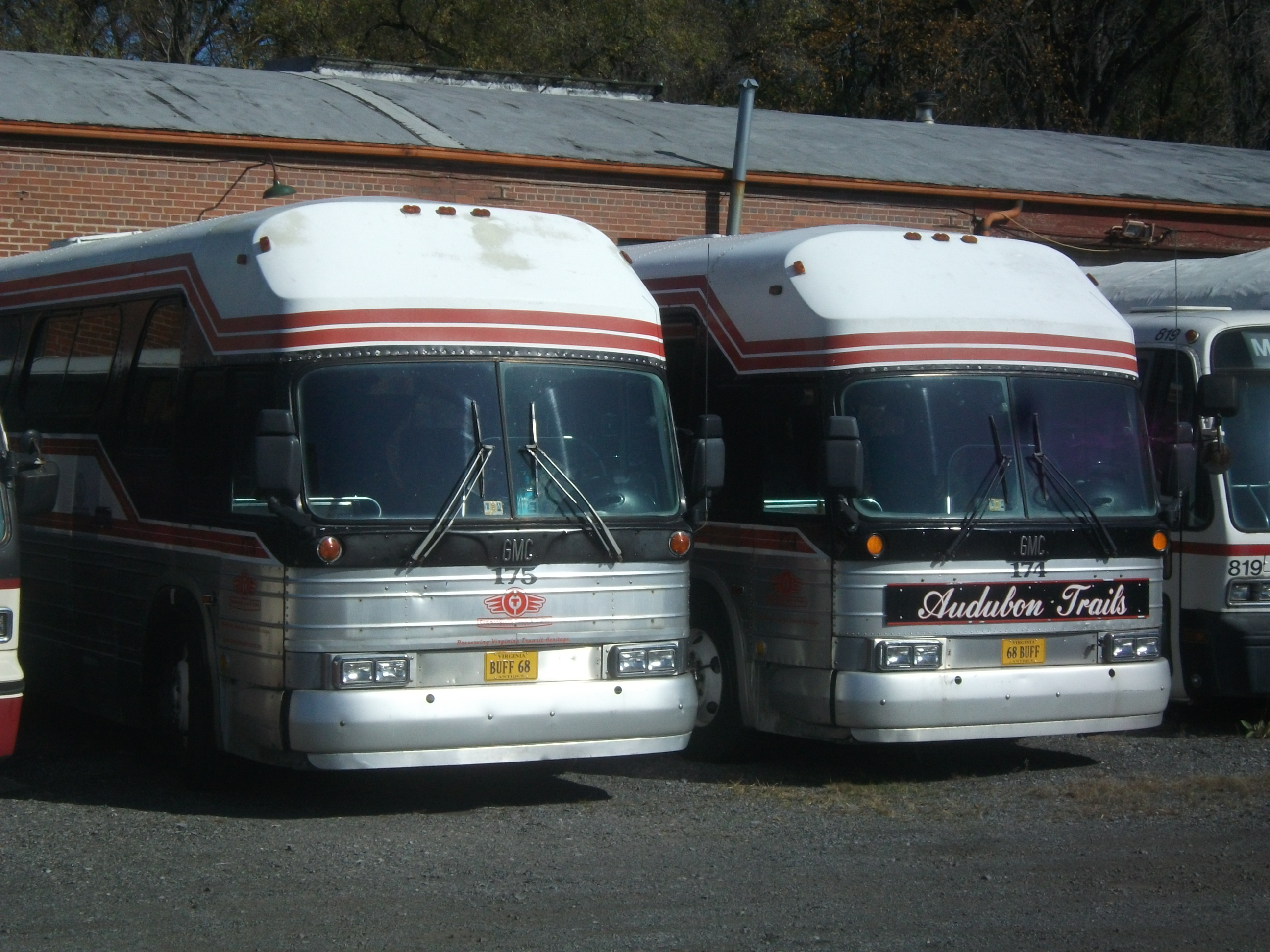 Coach 174 and 175 at the Buseum