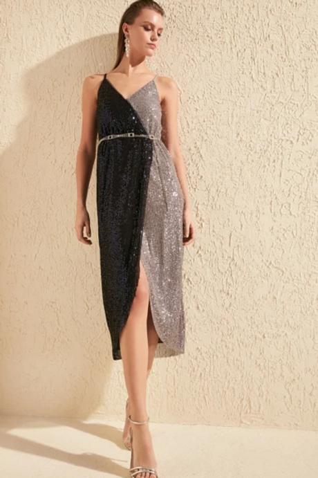 Sequined V-Neck Sheath Shape Dress