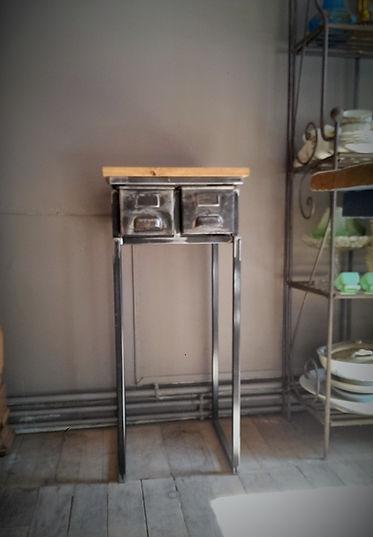 Console à tiroirs anciens