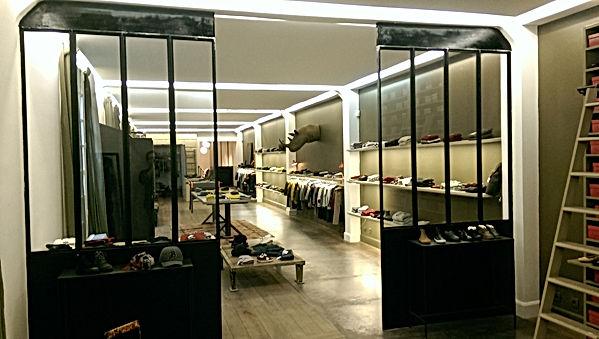Cloison vitrée, boutique Bonpoint, Tournon