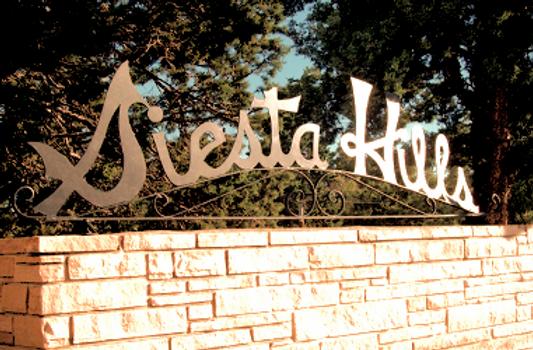 Siesta Hills sign_edited_edited.png