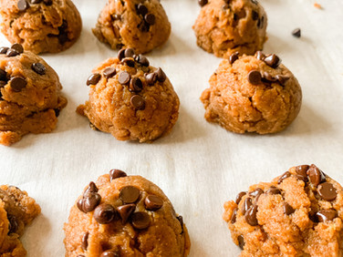 The BEST Chocolate Chip Cookies (GF)