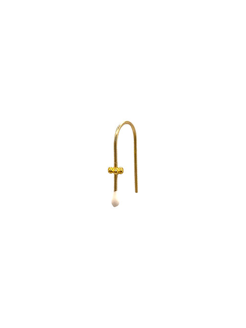 Mary gold earring