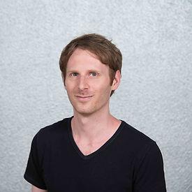 Dr. Lars Orbach