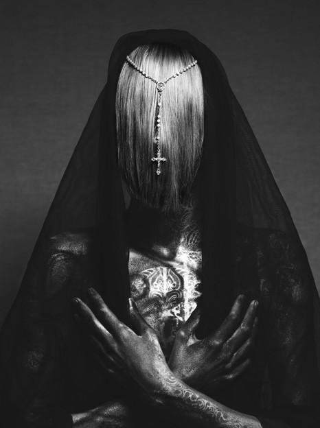 Dark Beauty Magazine: Divine Right, At Rest