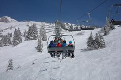 ski-lift-999226_1920.jpg