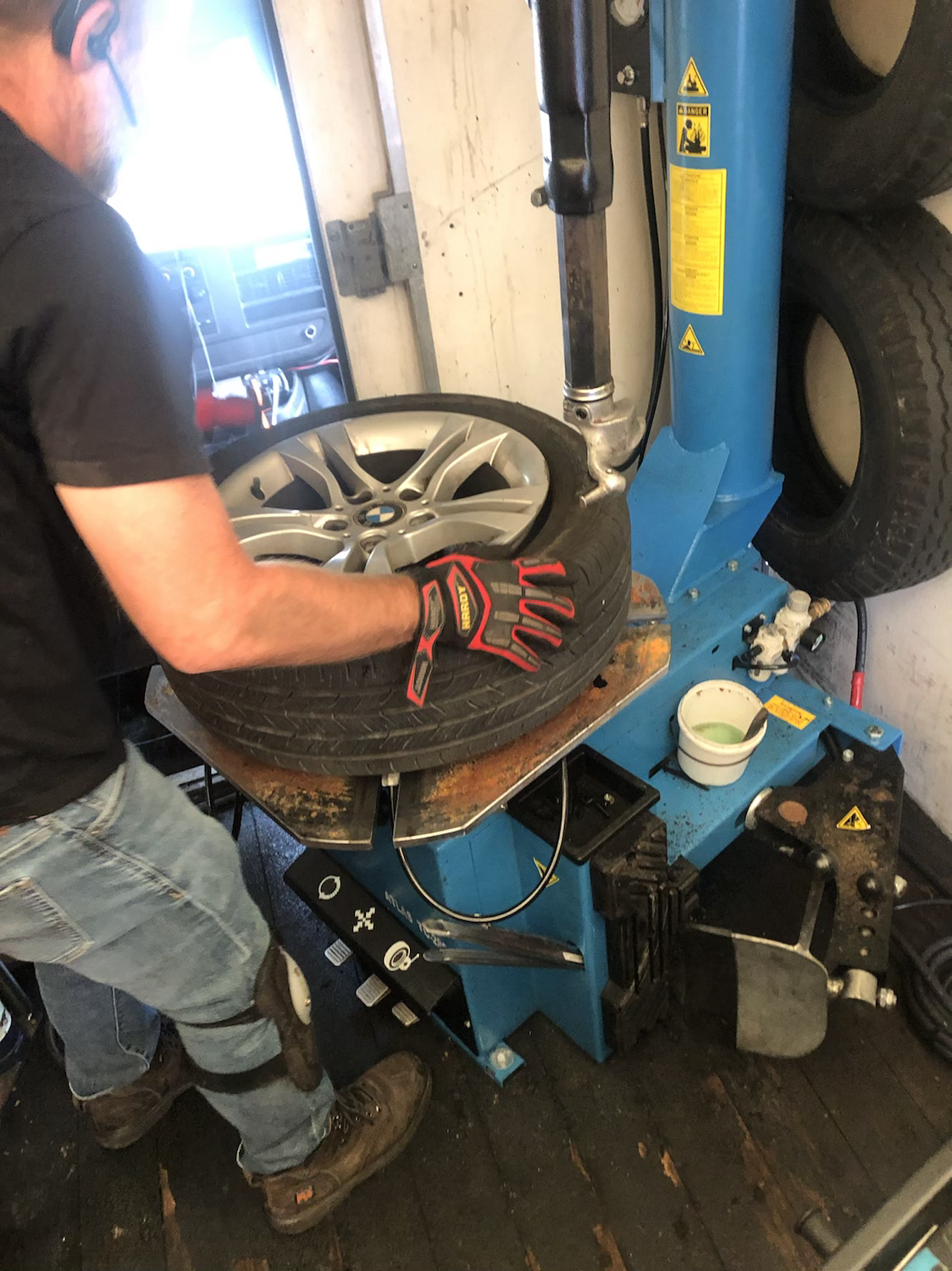 mounting a tire on the rim