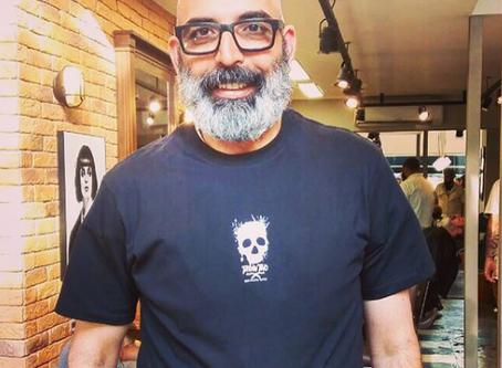 Farzad the Happy Barber na Barbearia Tarantino
