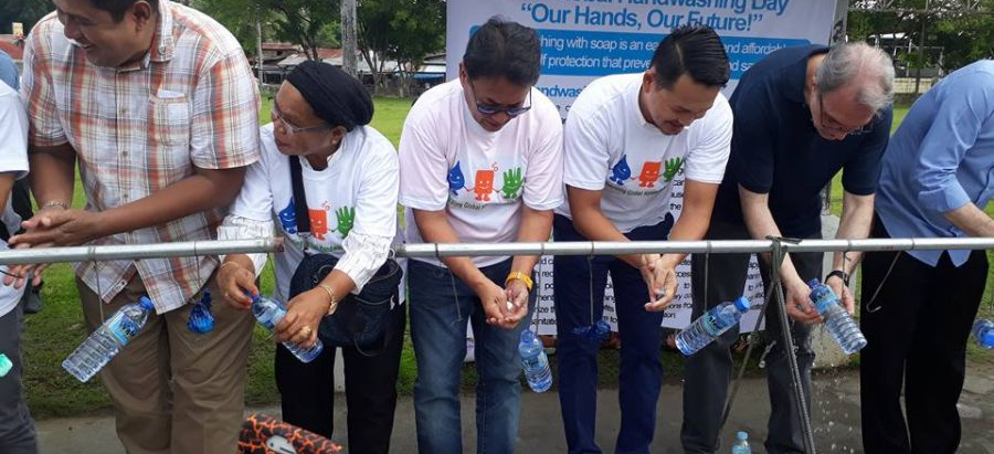 Thousands join simultaneous hand washing in Cotabato City